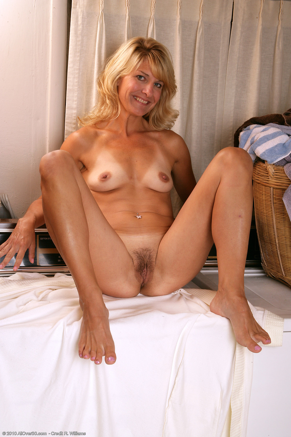 Mature hairy hot milf