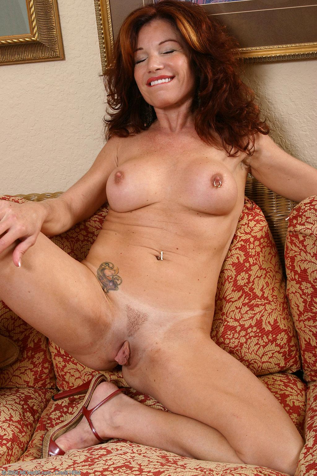 Jacqueline milf exotic position