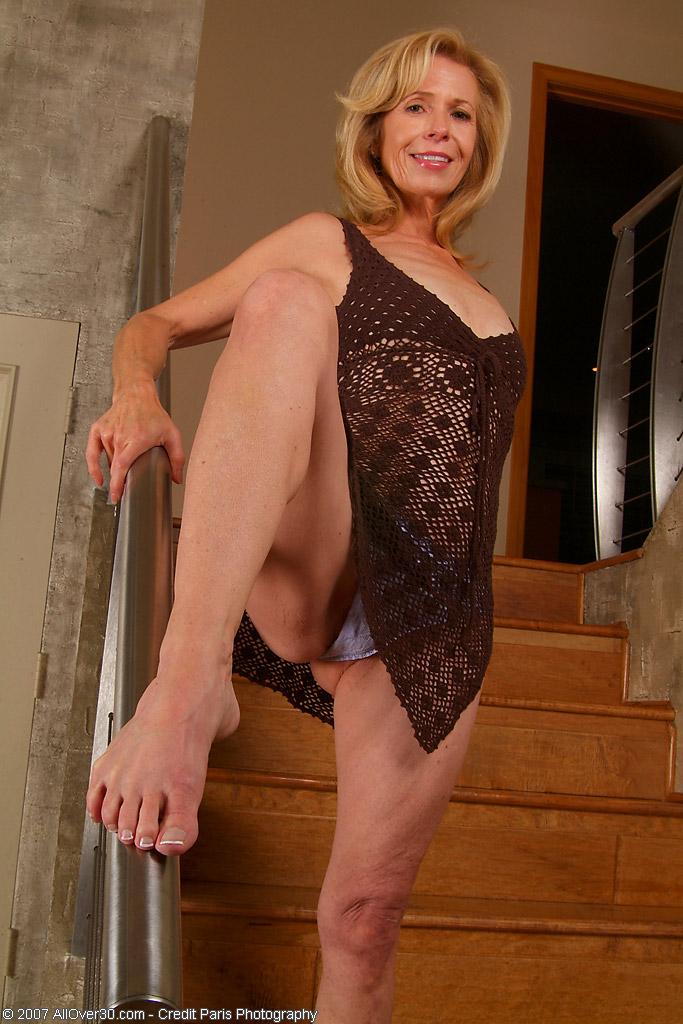 Marie Kelly allover30