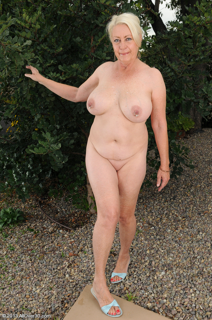 Personal messages Angelique 60 year old milf
