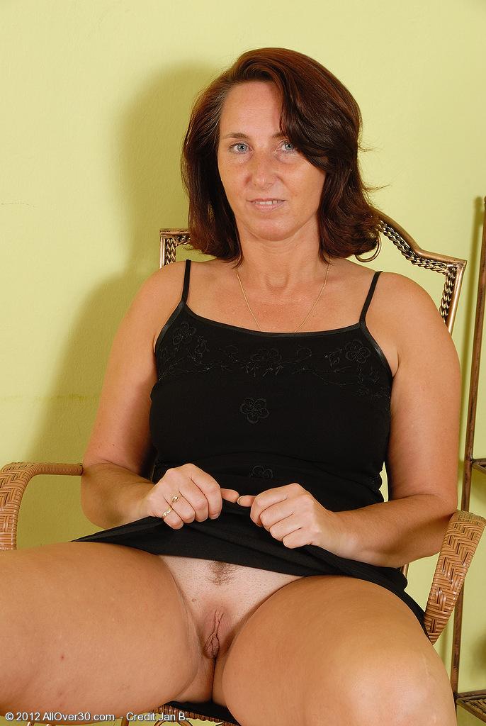 Amateur 50 plus year old amateur bbw wife natural tit fuck - 1 part 3