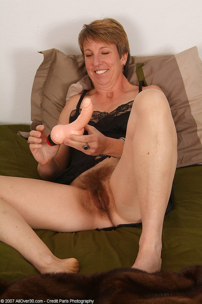 Great milf doing the hottest ride ever - 1 part 6