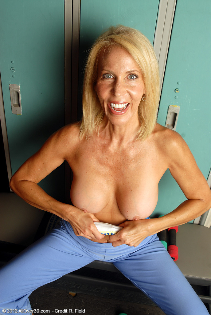 Mature Milf Big Natural Tits