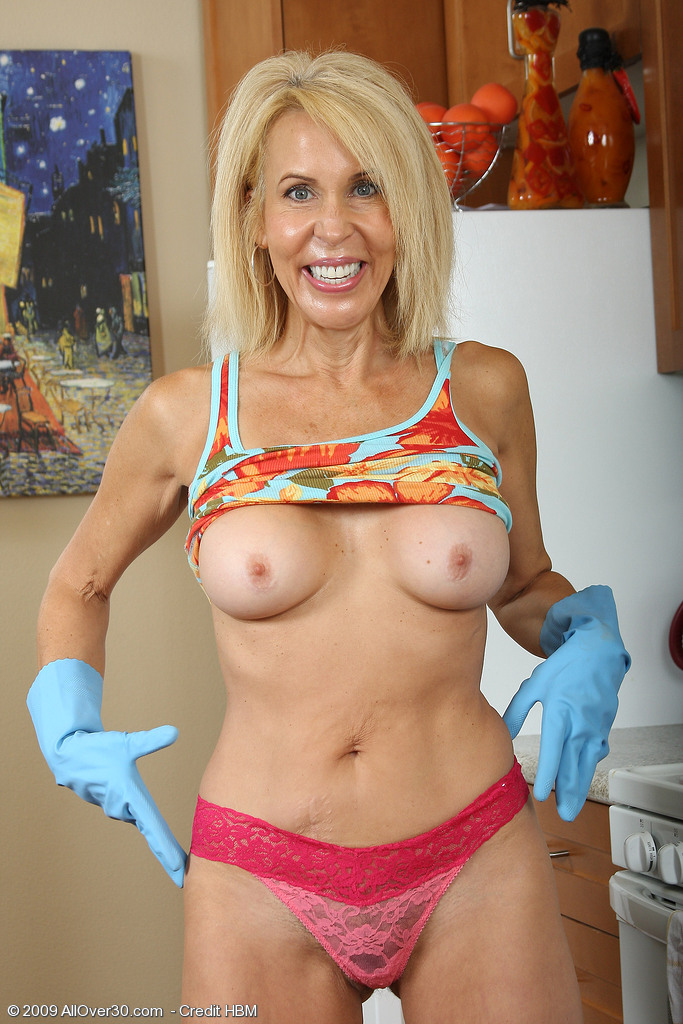 mature ladies executive for contact