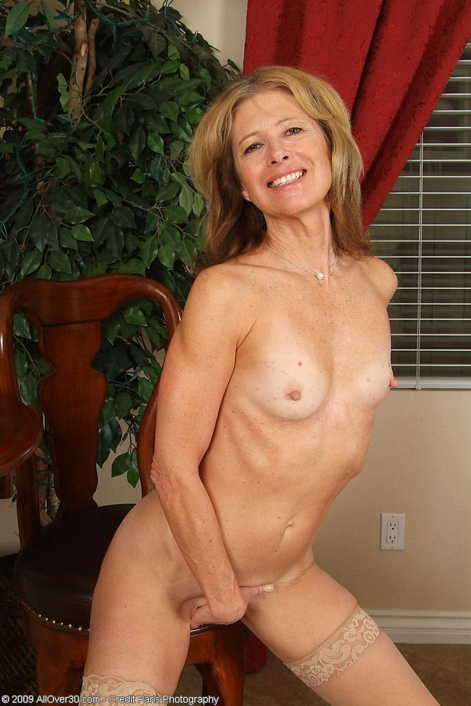 Free nude grannyt videos