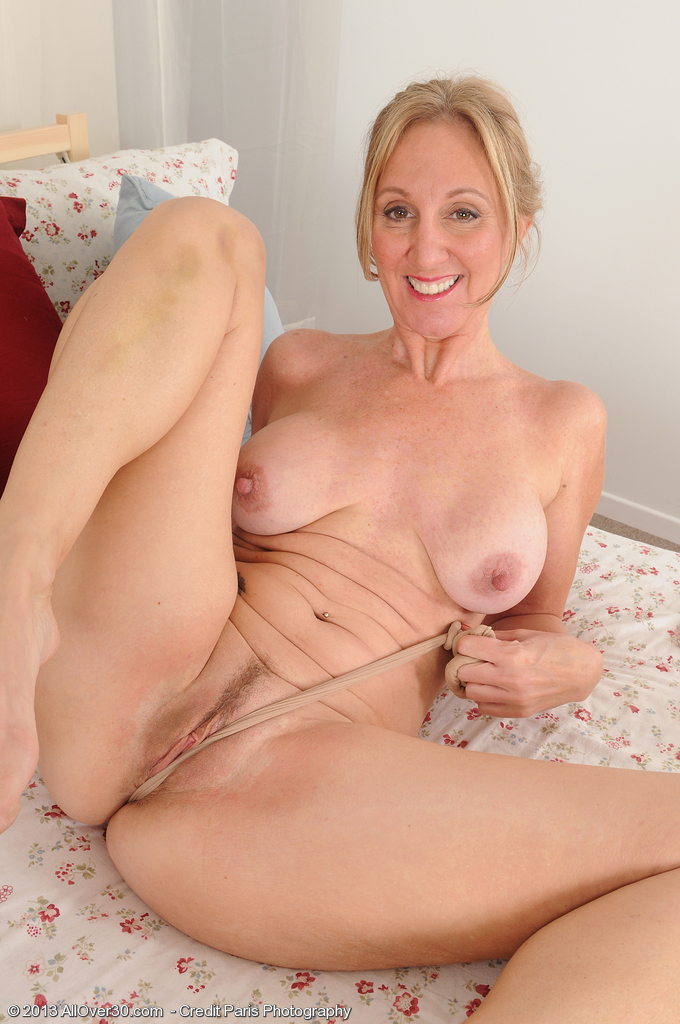 Sexy jenna pleases her pierced pussy with a fat dildo 6