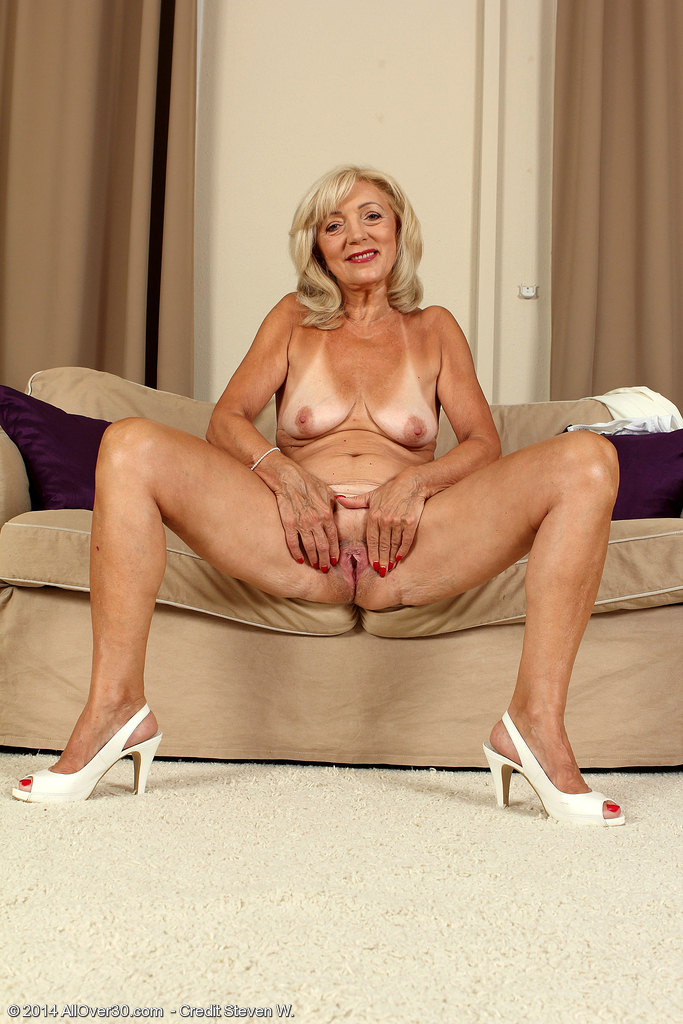 photos nude older women