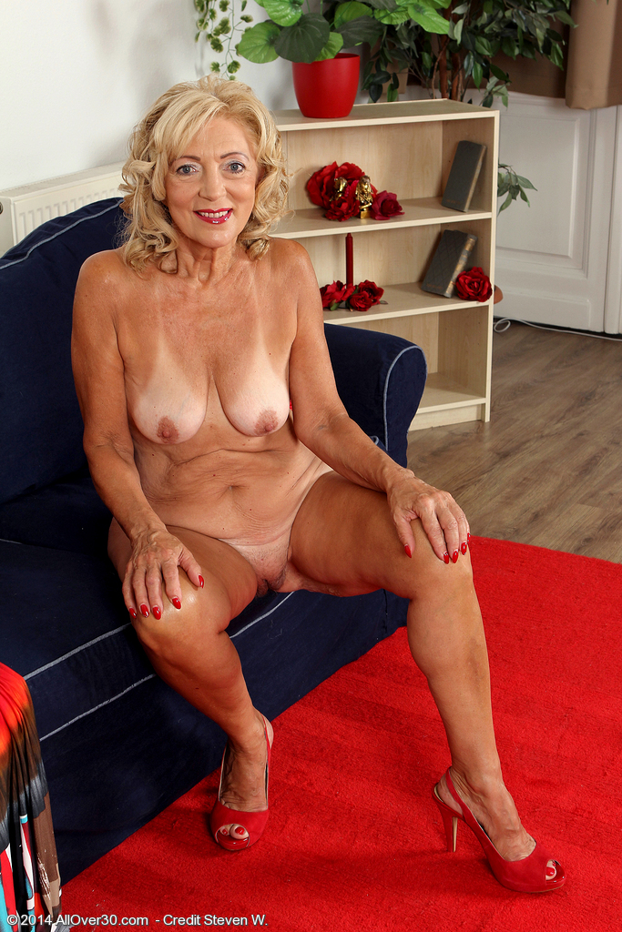 Ladies mature housewife