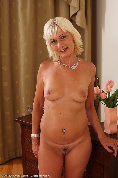 divya datta nude pics