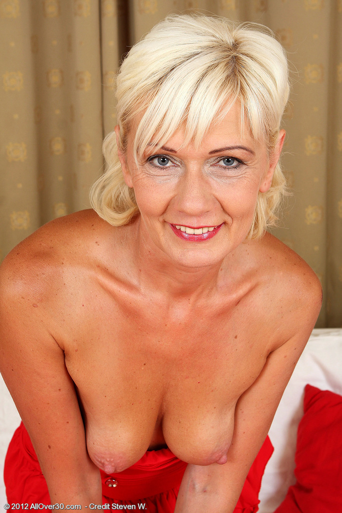 Allover30 katie hood 45 year old 5