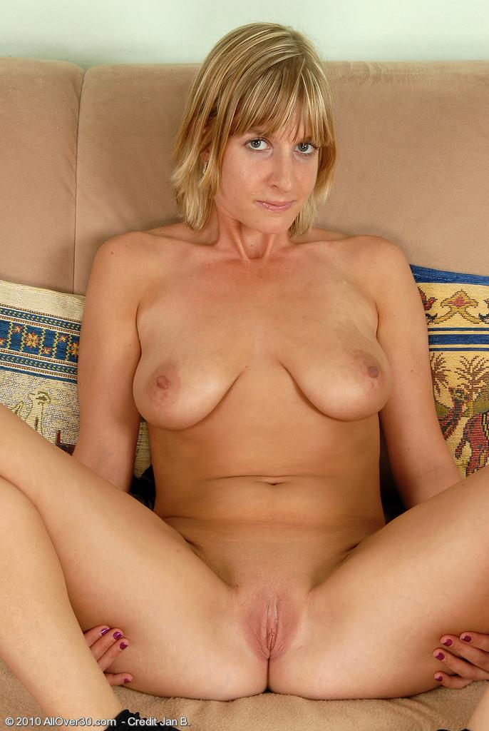Nude amateur milf pictures
