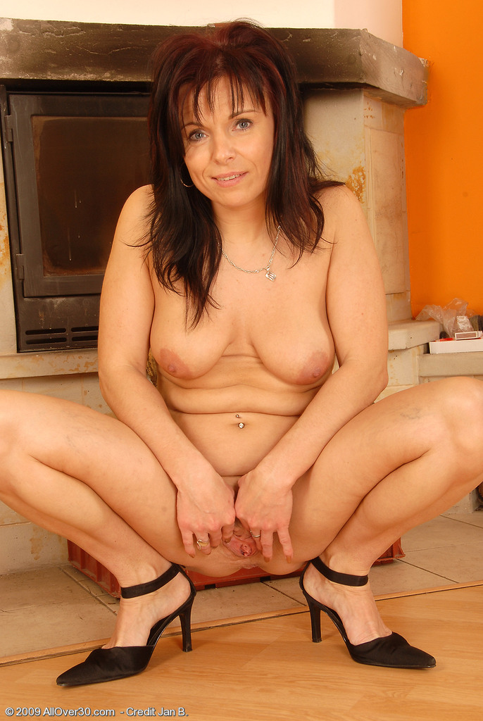 Need girl hot shaved moms naked give that