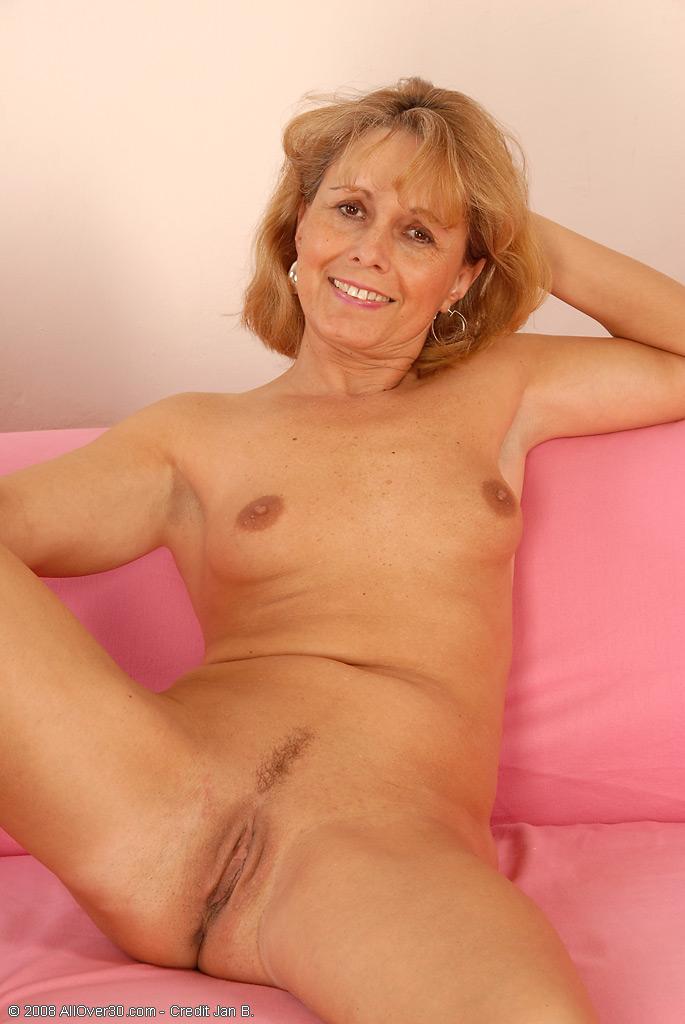 Mature barmaid porn