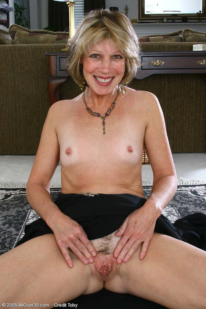 50 years old milf and 28 years old guy on second meet - 2 part 9