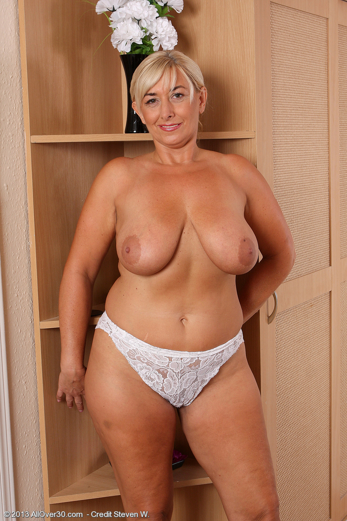 Milf lacey nude
