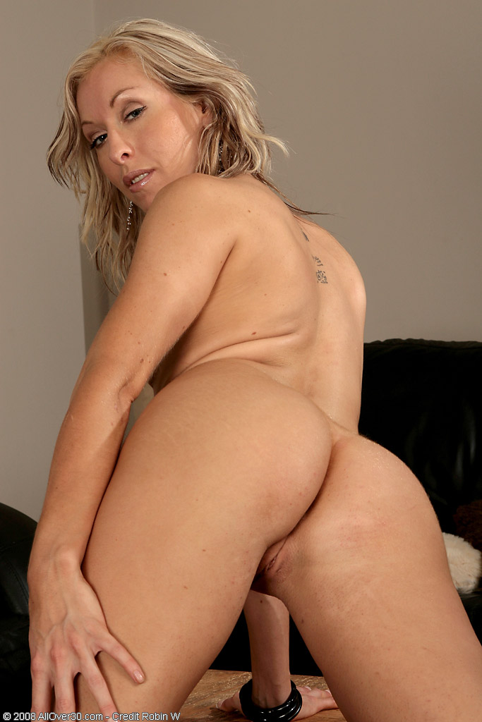 Mature tall blonde nude