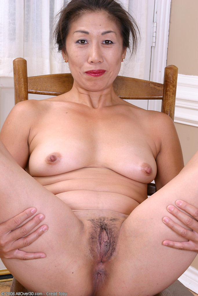 Mature Naked Chinese Women