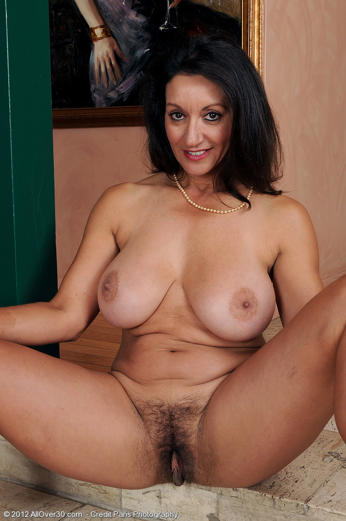 Persian mature wife nude