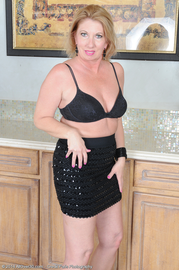 Year old summer sands exclusive milf pictures