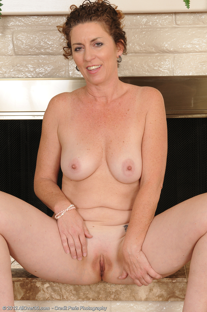 Sue Mature Nude 92