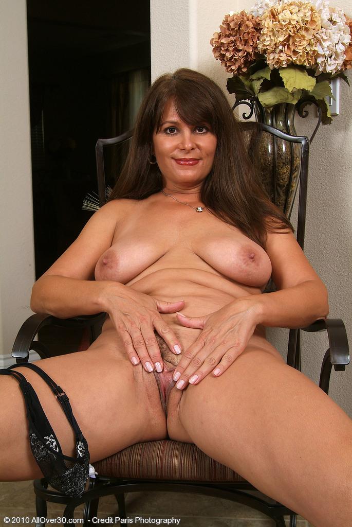 Busty housewife milf free porn movie