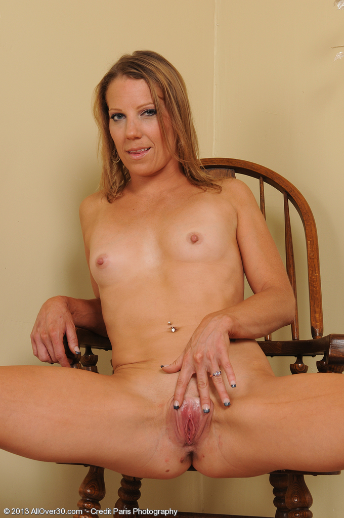Allover Free Com Introducing Year Old Alyssa Dutch From