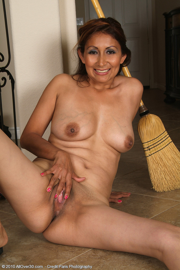 Mature midget women-9651