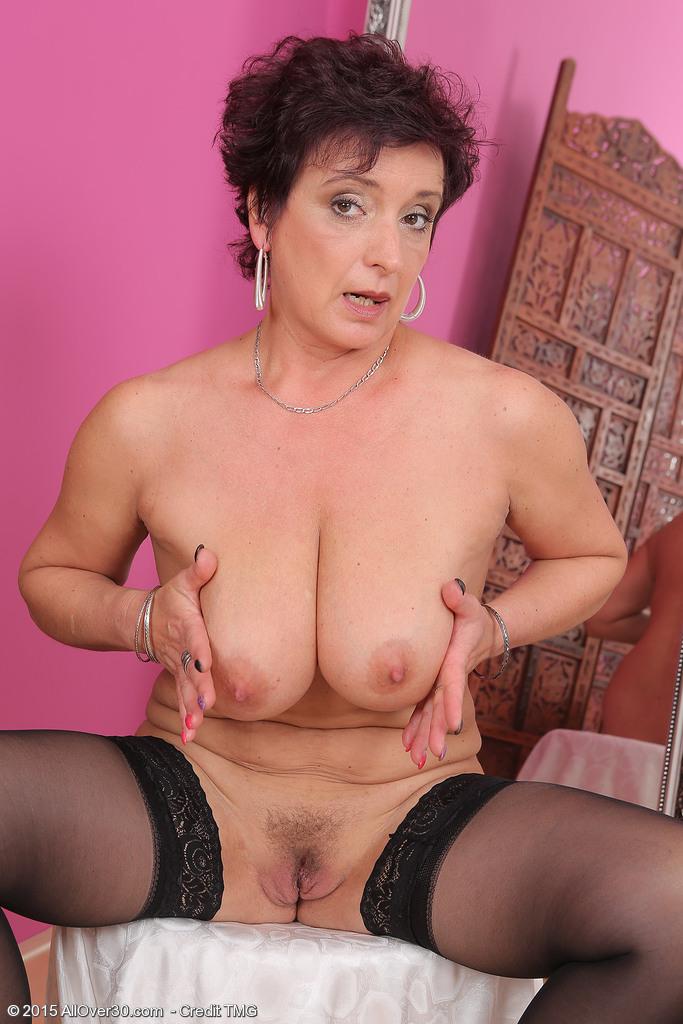Amateur nude women gifs