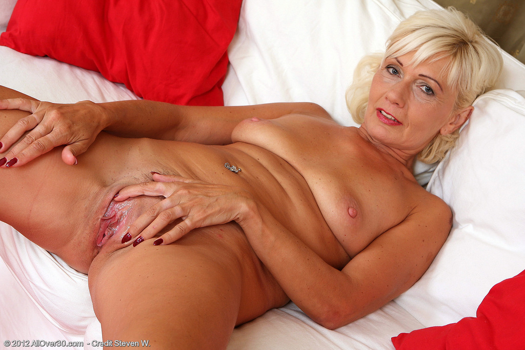 Allover30Freecom- Hot Older Women - 45 Year Old Katie Hood From Tiszafoldvar, Hungary In High -6955