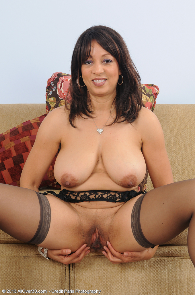 AO30 free latina mature pictures