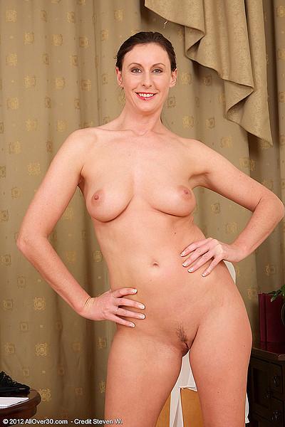 Allover30 Free - Secretary Lara Latex YourDailyPornMovies 1