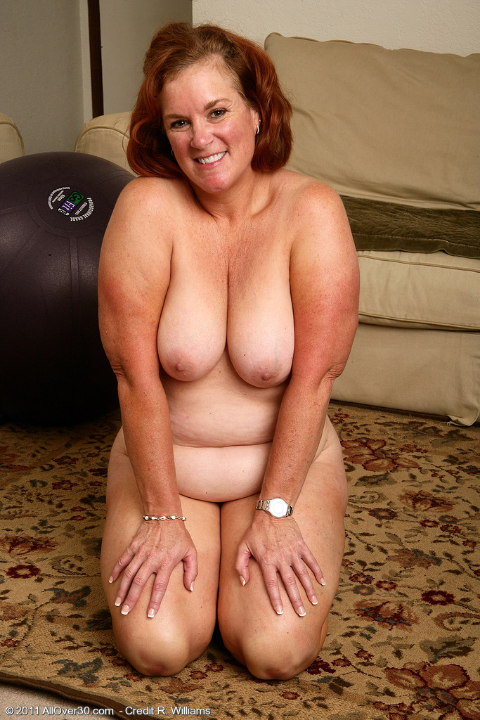 Lucy allover30 milf