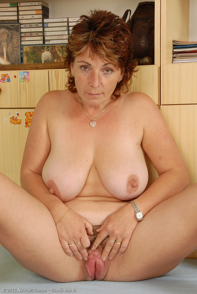 Big tit lady gallery