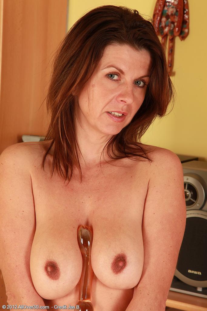 sexy hot ebony babe sucks