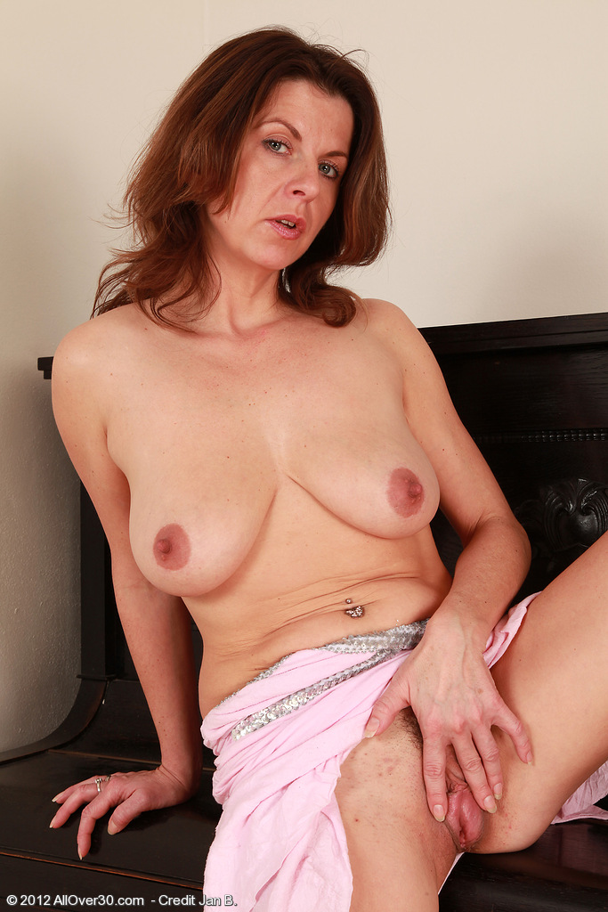 Allover30Freecom Introducing 36 Year Old Patris From -9352