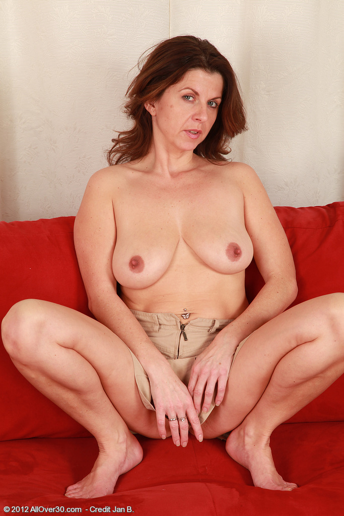 Allover30Freecom Introducing 36 Year Old Patris From -6565