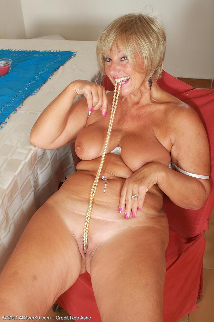 Голые тети проститутки зрелые проститутки тюмень