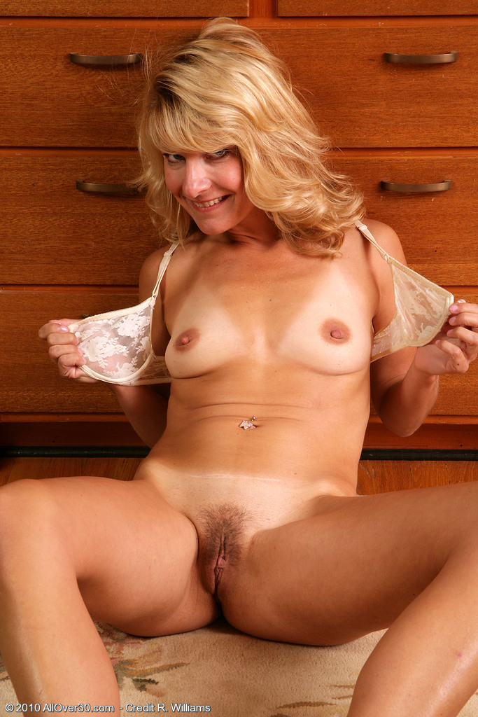 Allover30Freecom- Hot Older Women - 39 Year Old Sidney -4087