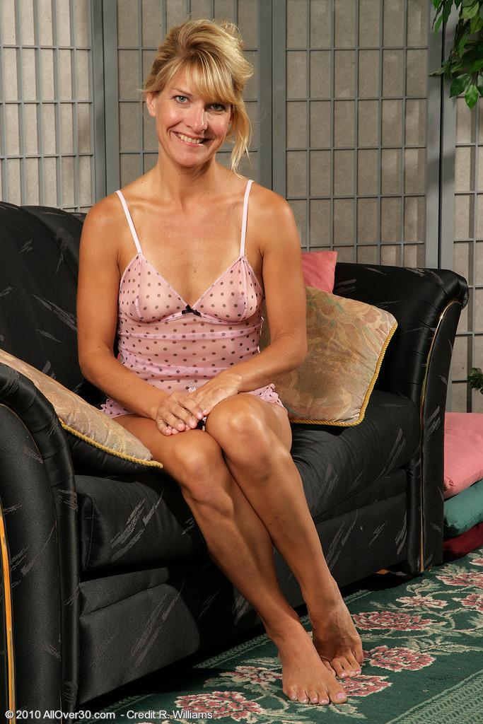 Nude sidney women